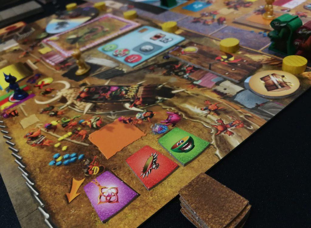 Vista de los accesorios y el mercado negro de Dungeon Petz: Dark Alleys